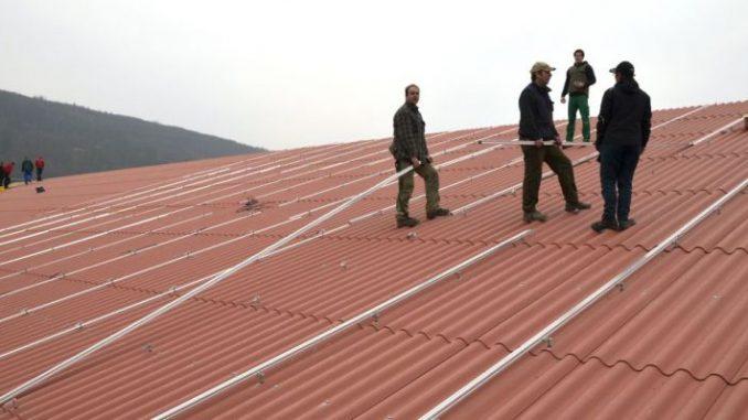 Solarzellen auf den Acker? - Foto: landpixel