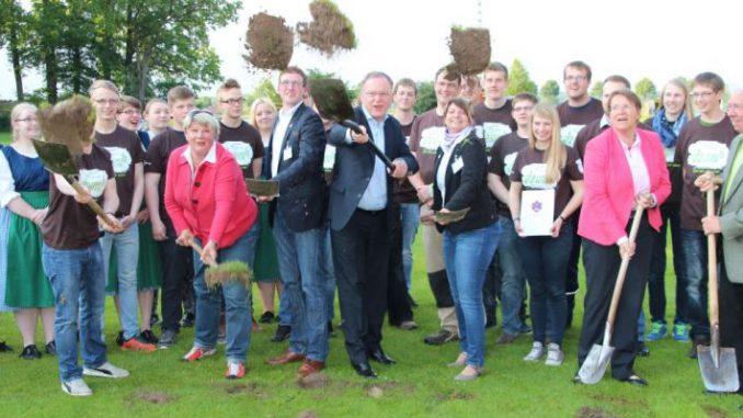 3.000 Jugendliche schuften für die 72-Stunden-Aktion - Foto: NLJ