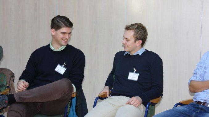 Small-Talk für Fortgeschrittene im Studienkurs - Studienkurs-Teilnehmer im Small-Talk