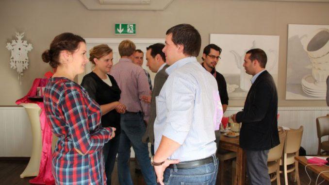 Dialog trainieren und Dialog suchen - Jungel Landwirtinnen und Landwirte beim Smalltalk-Training Foto: Kolle