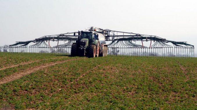 Tierhalter vor hohen Hürden - Foto: Landpixel
