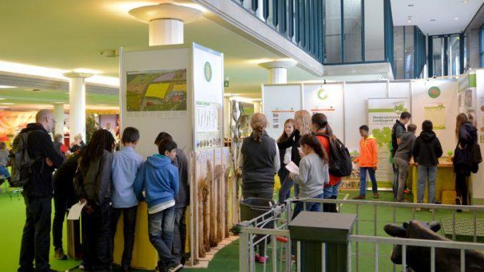 Bauern laden zum Lernparcours auf die HanseLife -