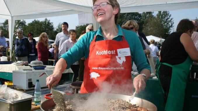 Beim Bauernhofkochfest alte Rezepte neu entdecken - Foto: AG Urlaub und Freizeit auf dem Lande