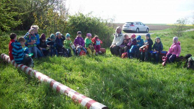 Ein Agrarlehrpfad entseht aus guter Teamarbeit - Foto: Landvolk Braunschweig