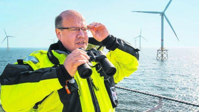Die Hängepartie geht zu Ende - Mit Erneuerbaren Energien war Peter Altmaier bereits in seiner Zeit als Umweltminister befasst. Nun soll er im Wirtschaftsressort für die Energiewende zuständig sein. Foto: Archiv/BUM
