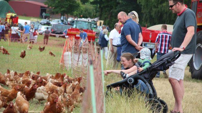 Tag des offenen Hofes lockte wieder auf's Land - Foto: Landvolk