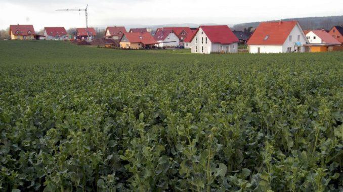 Flächenverbrauch weiter zu hoch - Foto: landpixel