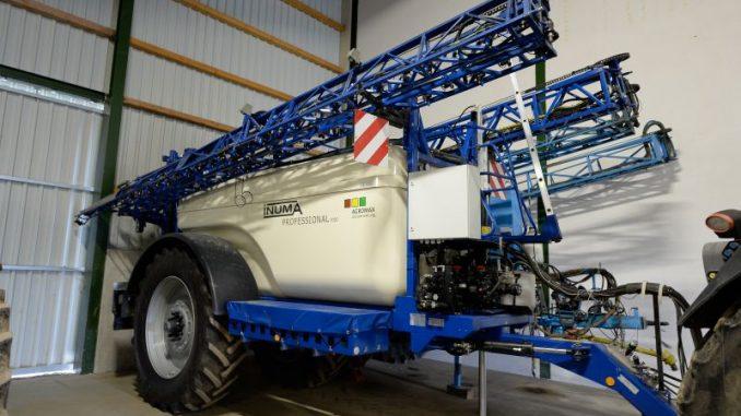 Für Pflanzenschutzspritzen steht jetzt der TÜV an - Foto: landpixel