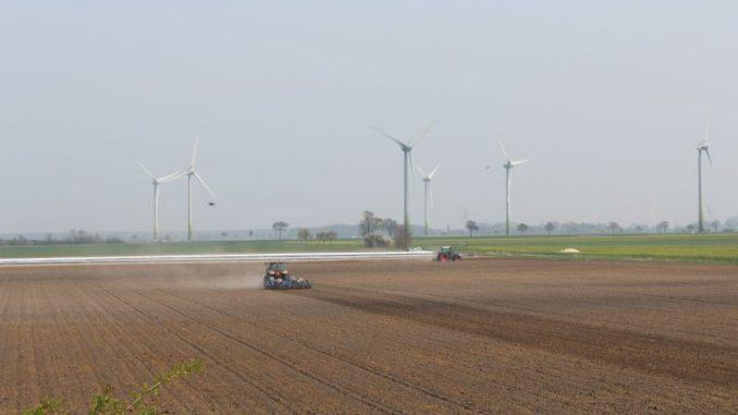Ackerbau zwischen Wunsch und Wirklichkeit - Foto: Landvolk