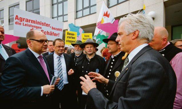 Agrarminister gegen neue Brüsseler Ökoverordnung - Foto: Rübensaat