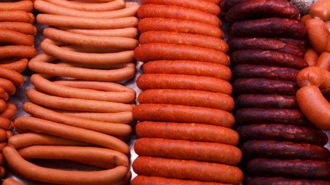 Keine Fleischwaren aus Urlaubsländern mitbringen - Foto: pixabay