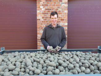 Kartoffelbauer Frederik Nienau